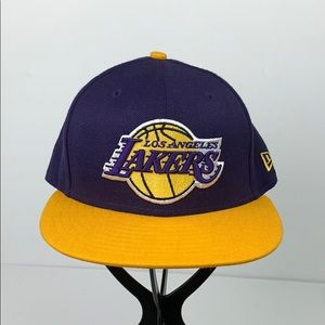 Los Angeles Lakers Fitted Cap 7 1/8 56.8 EUC NBA